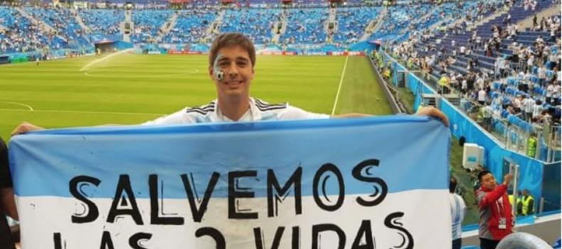 Hincha argentino se manifiesta por la vida en pleno Mundial Rusia 2018