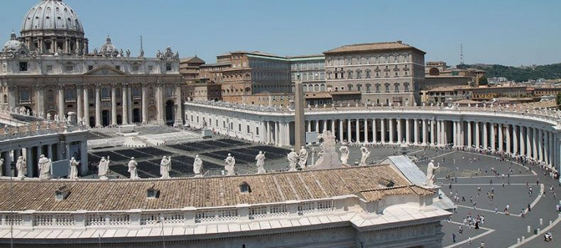 Vaticano inicia juicio contra exdiplomático por caso de pornografía infantil