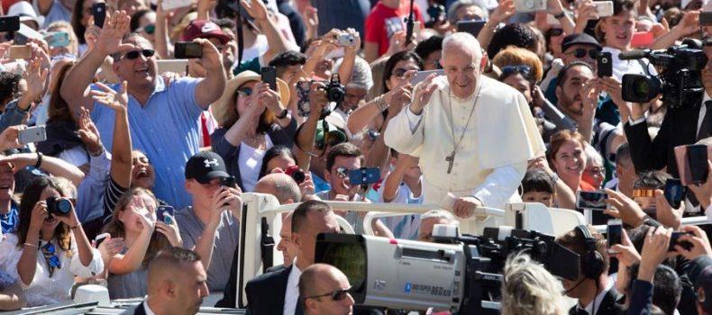 Papa Francisco reconoce las virtudes heroicas de 3 jóvenes y un político