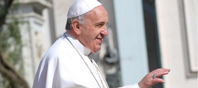 Papa Francisco visitará Nápoles para participar en encuentro teológico