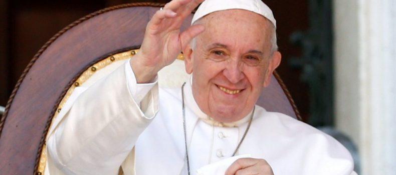 El cuerpo de los cristianos es esencial en la comunión con Dios, afirma el Papa Francisco