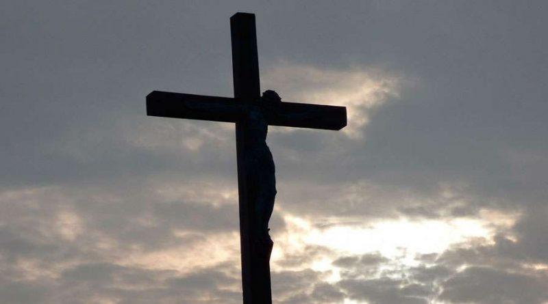 Imponen dimisión del estado clerical a sacerdote en Argentina